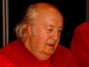 In Gedenken an Dr. Gerhard Ohlenschläger, er starb am 3. Juli 2008 an Herzversagen.