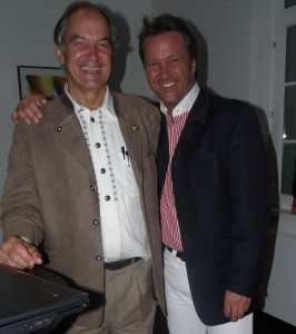 Unglaubliche Sympathie und ein herrliches Miteinander, diese zwei jung gebliebenen, der Univ. Prof. Dr. med. Dr. chem. Jörg Birkmayer / Wien und Ralf Kollinger im Frankfurter Consilium