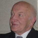Dr. Dipl. Ing. Wassil Nowicky. Dr. Wassil Jaroslaw Novicky, der Erfinder des alternativen Krebsmittels Ukrain, versucht seit 40 Jahren vergeblich, vom Gesundheitsministerium die Zulassung seines Mittels zu erreichen.
