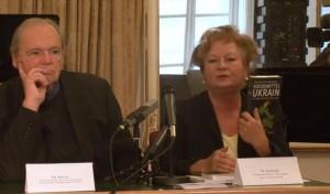 Pressekonferenz Ukrain Dr. Monika Berthold Autorin des Buches Krebsmittel ohne Nebenwirkung