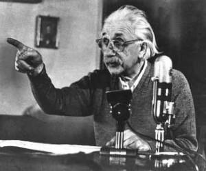 Zwei Dinge sind unendlich, das Universum und die menschliche Dummheit, aber bei dem Universum bin ich mir noch nicht ganz sicher. Albert Einstein Probleme kann man niemals mit derselben Denkweise lösen, durch die sie entstanden sind.