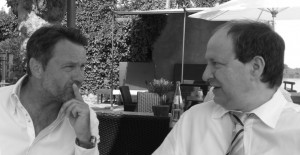 v.l. Ralf Kollinger und Dr. rer. nat. habil. Burkhard Poeggeler der nicht nur Gutachter im European Research Consil ist, sondern zudem seit 32 Jahren auf Aminosäuren forscht.