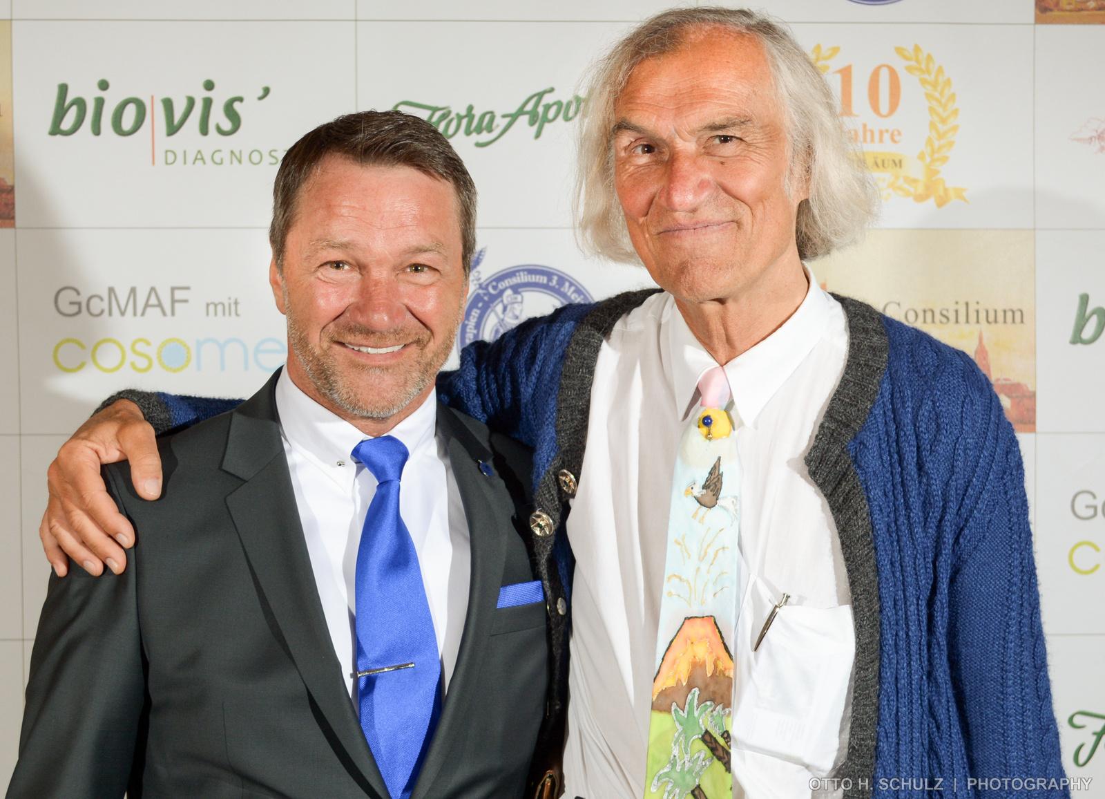 Ralf Kollinger und der bekannte Krebsarzt Arno Thaller