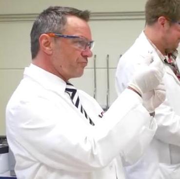 Ralf Kollinger im Labor - Untersuchung - Laborgespräche vor und nach Zytostase